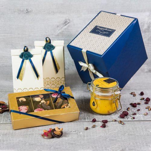 Синяя чайная коробочка